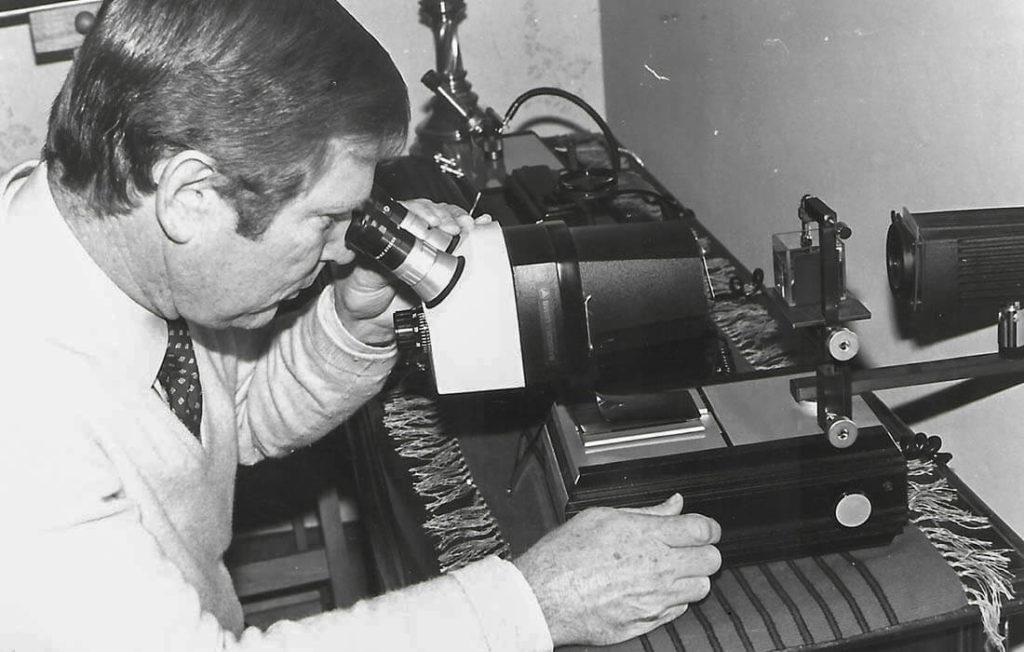Beim-Testen-der-Steine-1980