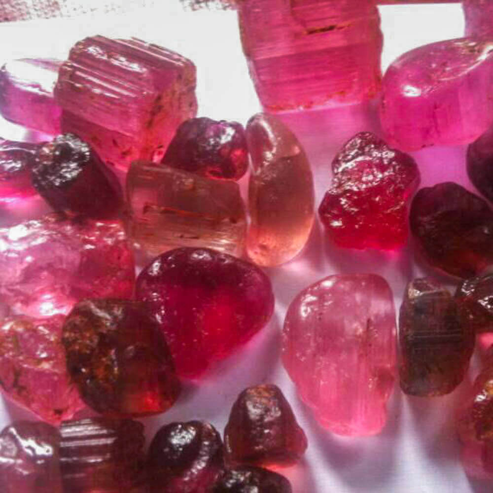 Turmalin-Roh-material-pink-rubelit