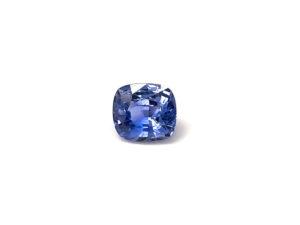 saphir-facettiert-oval-2ct-blau-edelstein-kaufen